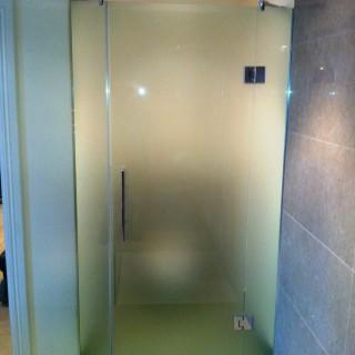 Shower enclosure1
